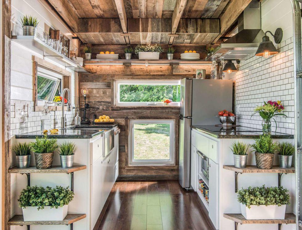 Gloriously Spacious Kitchen