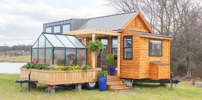 Cabin with a Greenhouse
