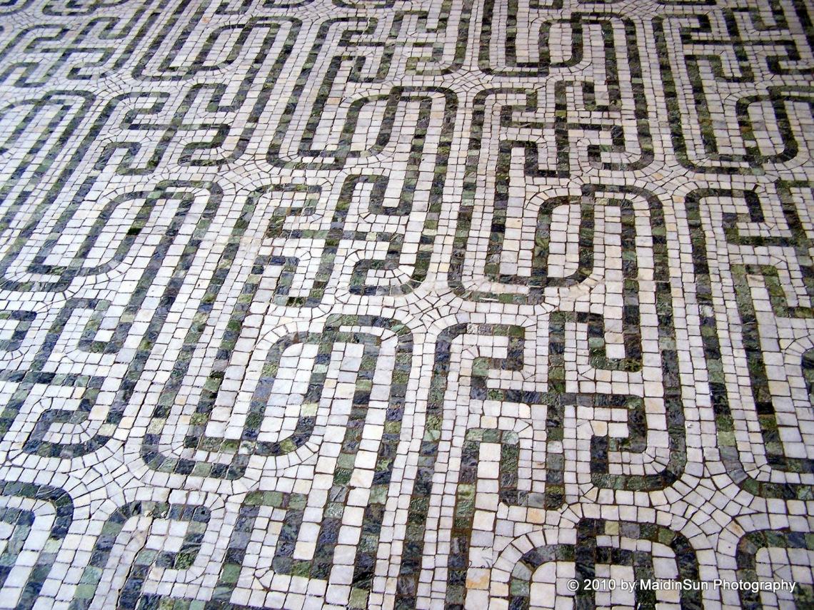 Stunning Labyrinthine Design, Wade Chapel