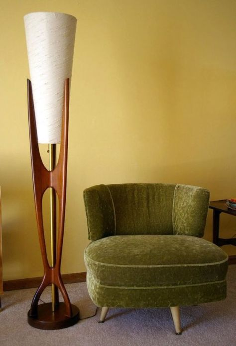 Sleek Modern Floor Lamp