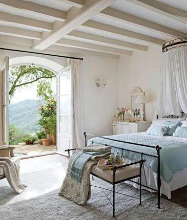 Bedroom Over the Valley