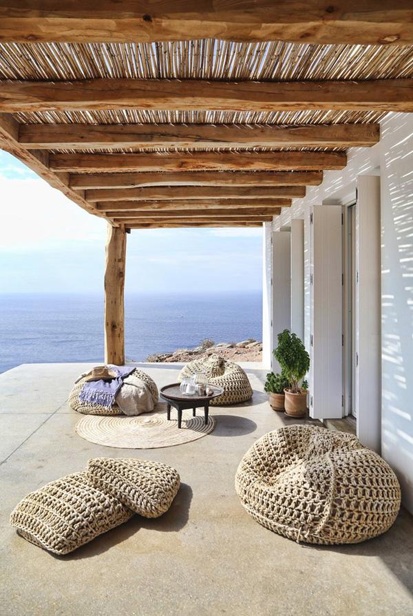 Mountaintop Lounge
