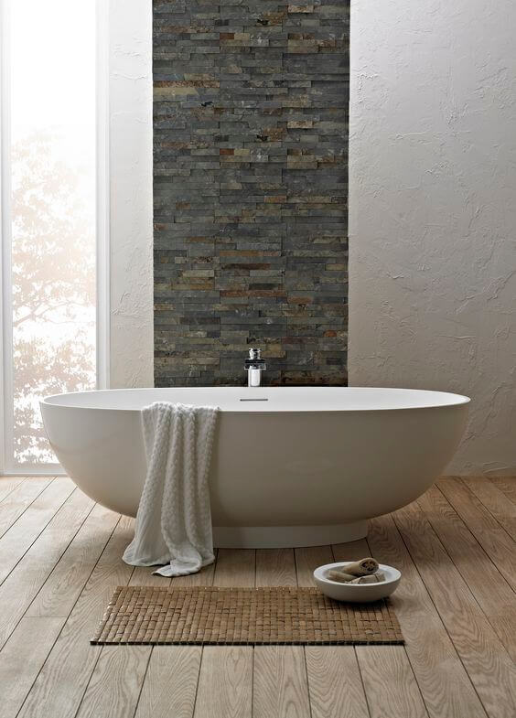 Simplistic Soaking Tub