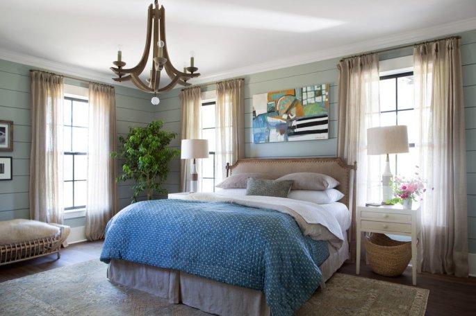 White Linens + Soft Blue Duvet + Modern Art