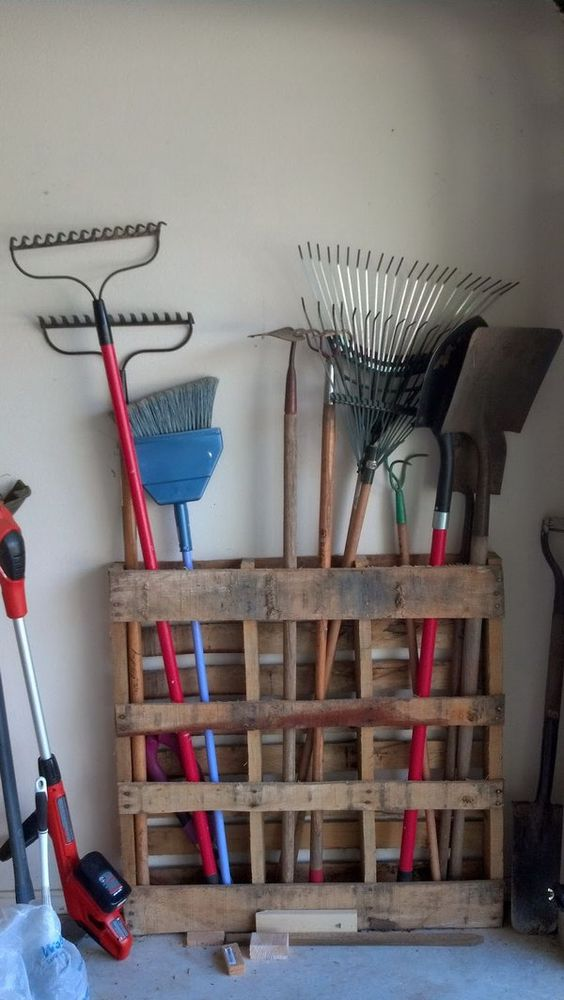 Simple Yard Tool Holder