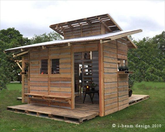 Cabin Made Completely from Pallets!