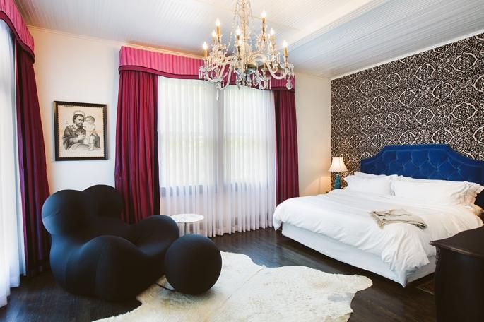 luxury-hotels-texas-austin-hotel-saint-cecilia-suite4-bedroom_lg