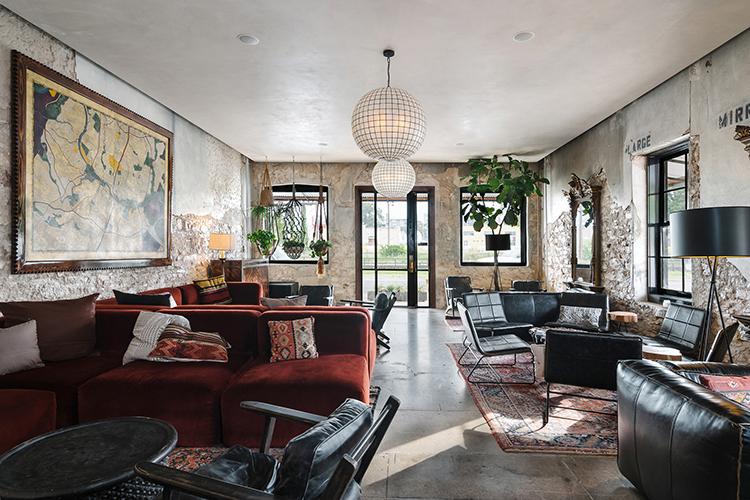 Mid-Century Lounge