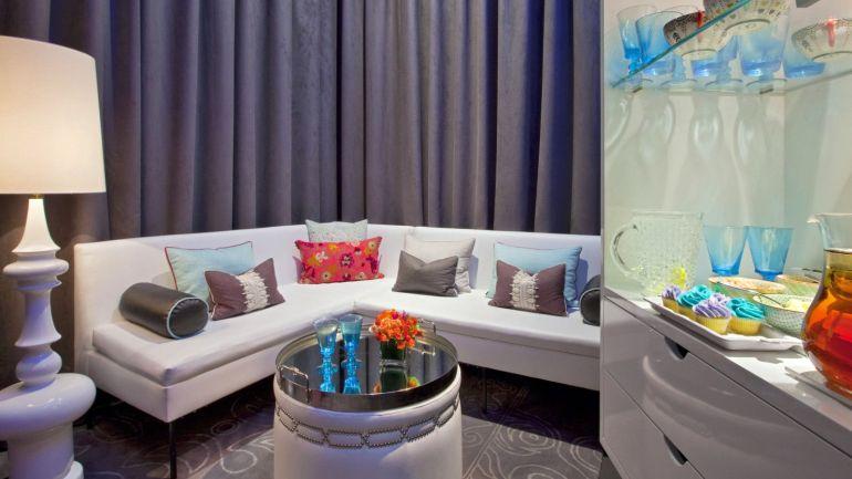 AWAY Spa Lounge