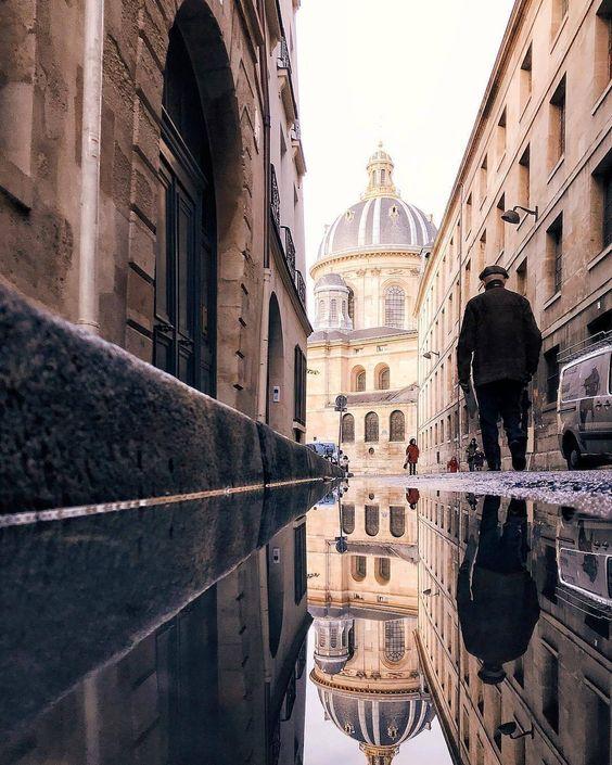Below the Sacre Coeur